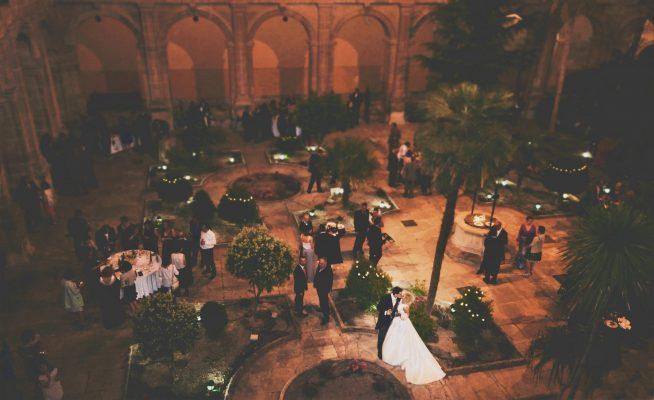 boda patio iglesia
